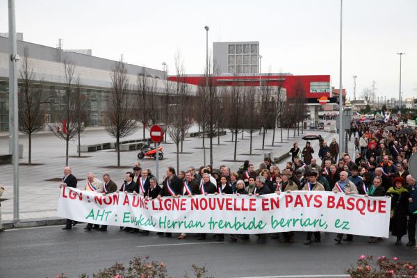 Comunicato Stampa No TAV 24.1.2010 da Hendaye (Francia)