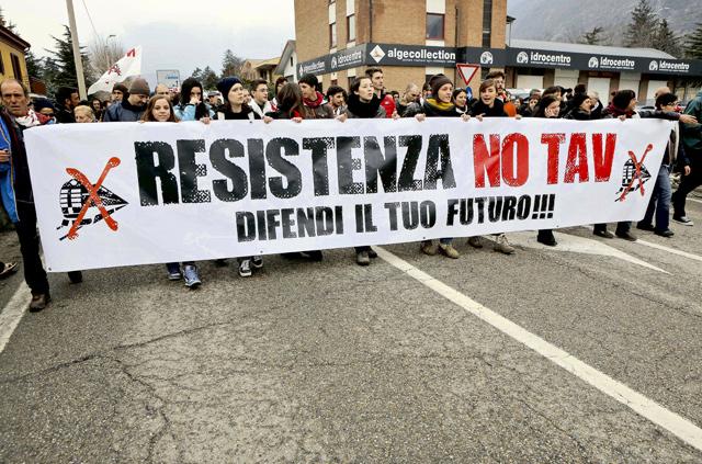 Treno Torino-Lione: 10 motivi per smettere