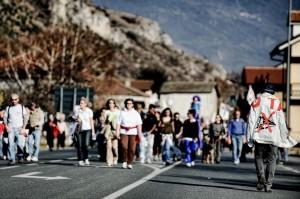 """Marcia da Bussoleno a Susa del movimento No Tav """"FERMARCI E' IMPOSSIBILE! e libertà per tutti i notav!"""""""