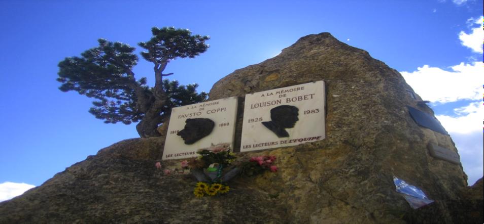 Il cippo al  Colle dell'Izoard