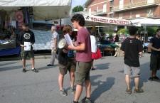 Quinto giorno del campeggio studentesco: volantinaggio a Susa