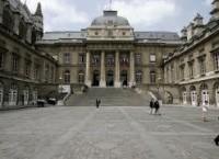 18 parlamentari italiani hanno inviato un esposto al Procuratore della Repubblica di Parigi