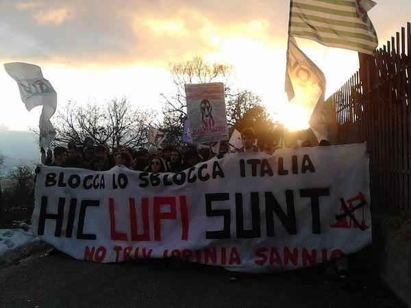 Manifestazione NoTriv a Gesualdo (Av). Lupi, briganti e noi