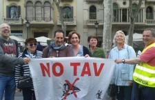 Salutiamo così Ada Colau , sindaca (notav) di Barcellona