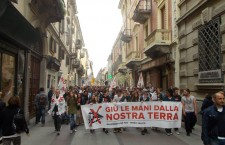 Un migliaio in marcia ad Alessandria per fermare cave e Terzo Valico