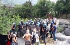 Polizia schierata, polizia aggirata! 2° giornata di campeggio