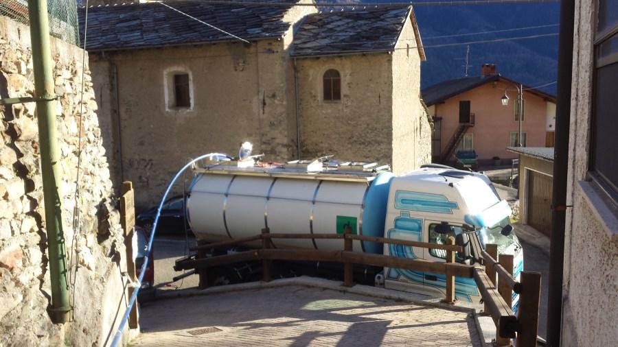 A Chiomonte arrivano le autobotti, la frazione Ramats ha poca acqua: colpa del cantiere tav?