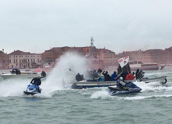 Venezia: notav e no grandinavi all'assalto per terra e per mare