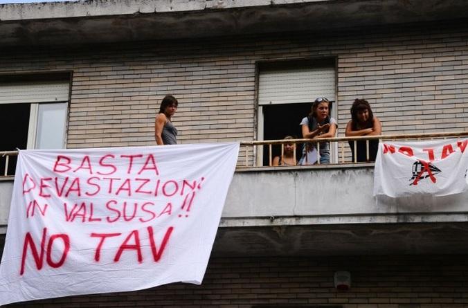 Rinvio a giudizio per il giornalista Davide Falcioni: raccontò di un'iniziativa No Tav