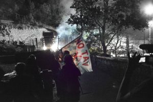 Serata movimentata all'apericena di Chiomonte tra idranti e lacrimogeni