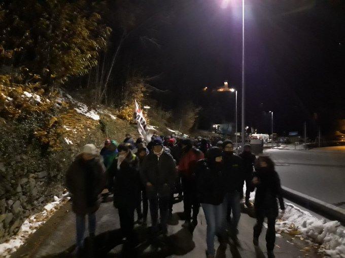8 Dicembre, fuochi e lacrimogeni al cantiere. Fermati 3 No Tav.