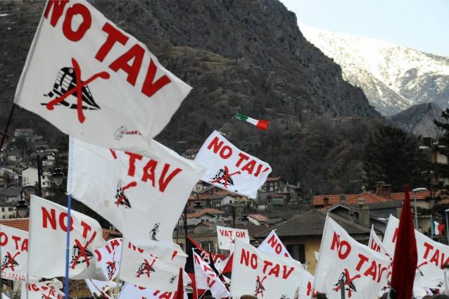 Le parole di Toninelli commentate dai No Tav su Radio Onda d'Urto