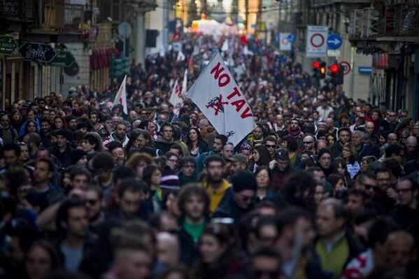 In piazza l'8 dicembre a Torino! Comunicato No Tav