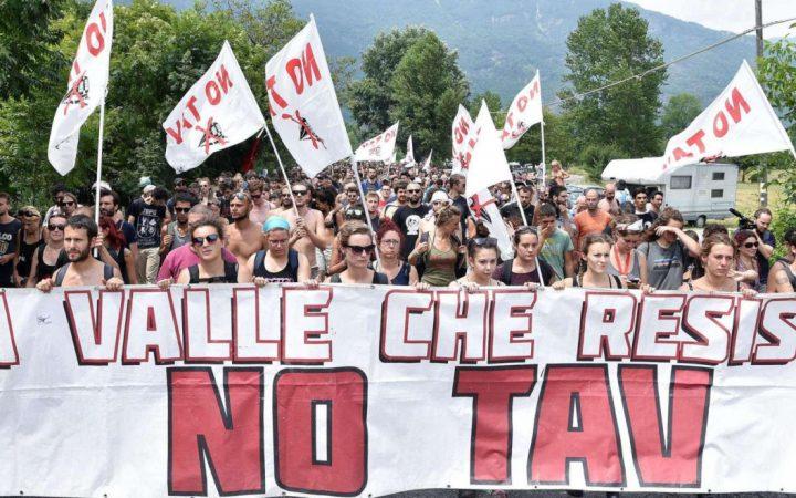 Perché l'8 dicembre saremo in piazza a Torino, la lettera di un ragazza del comitato giovani notav