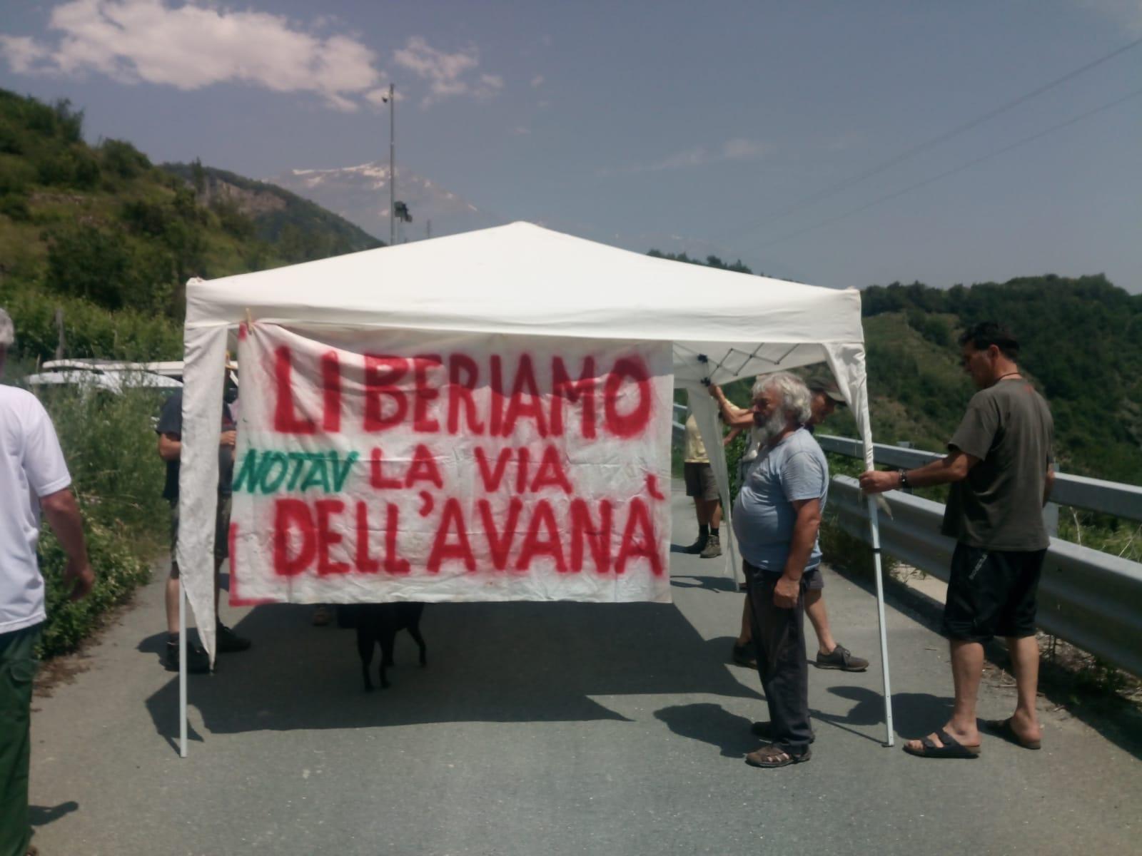 Blocco di Via dell'Avanà, vogliamo le vigne libere e il cantiere chiuso!