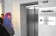 Le Fomne notav nella sede di Stampa e Repubblica