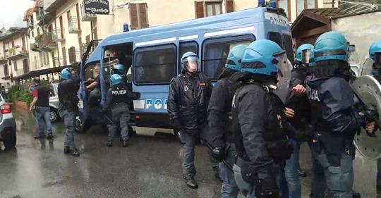 Sab 27/06, polizia allontanata a Susa (VIDEO) e passeggiata