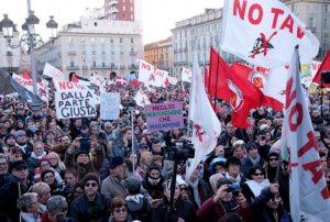 Il consiglio comunale di Torino rinnova l'opposizione al Tav ed esprime preoccupazione per Dana