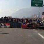 Tentativo di sgombero del blocco a Chianocco FOTO+ VIDEO dal Corriere