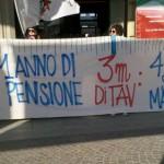 A Torino le scuole crollano e 1 cm di Tav costa 1200 euro!