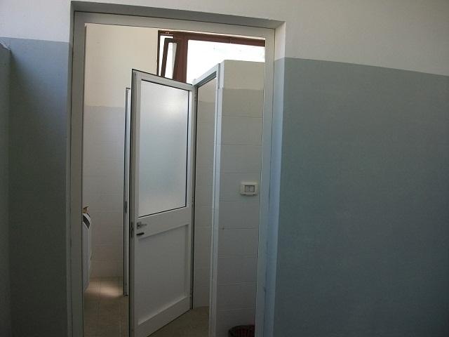 Bagni e docce rustic barn bathroom design ideas digsdigs - Docce per bagni ...