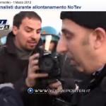 """(VIDEO) Giornalista: """"C'è il diritto di Cronaca"""". Poliziotto:""""Per adesso no"""""""
