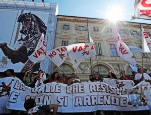 NOTAV allo sciopero generale: una spinta alla crisi (FOTO E VIDEO)