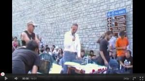 """GUARDA VIDEO di Massimo Zucchetti """"Classe mista"""" NOTAV e Poliziotti, lezione sui gas lacrimogeni CS"""