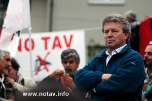 I sindaci non arretrano: contro le violenze una condanna a metà