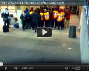 PESTAGGIO POLIZIA TORINO-SAMPDORIA 20-02-2012 [guarda video]