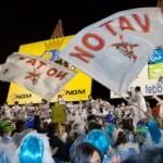 Bandiere NOTAV al carnevale di Viareggio